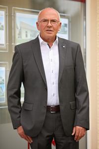 Josef Hallabrin, Immobilien Hallabrin