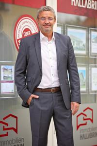 Uwe Gegenfurtner, Immobilien Hallabrin